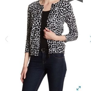 Cable & Gage Animal print cardigan
